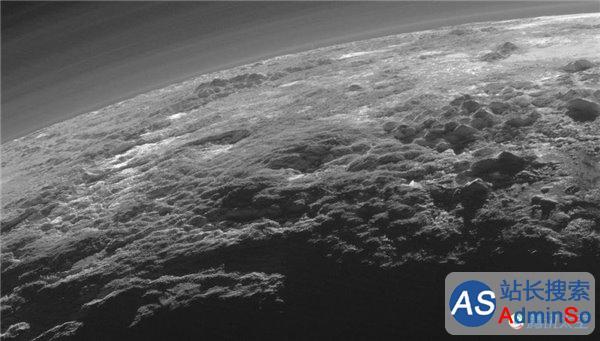 大气冰山河流都有! 冥王星最新照片震撼公布
