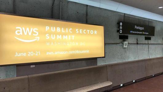 为拿下美国防部百亿合约亚马逊在五角大楼门口做起广告