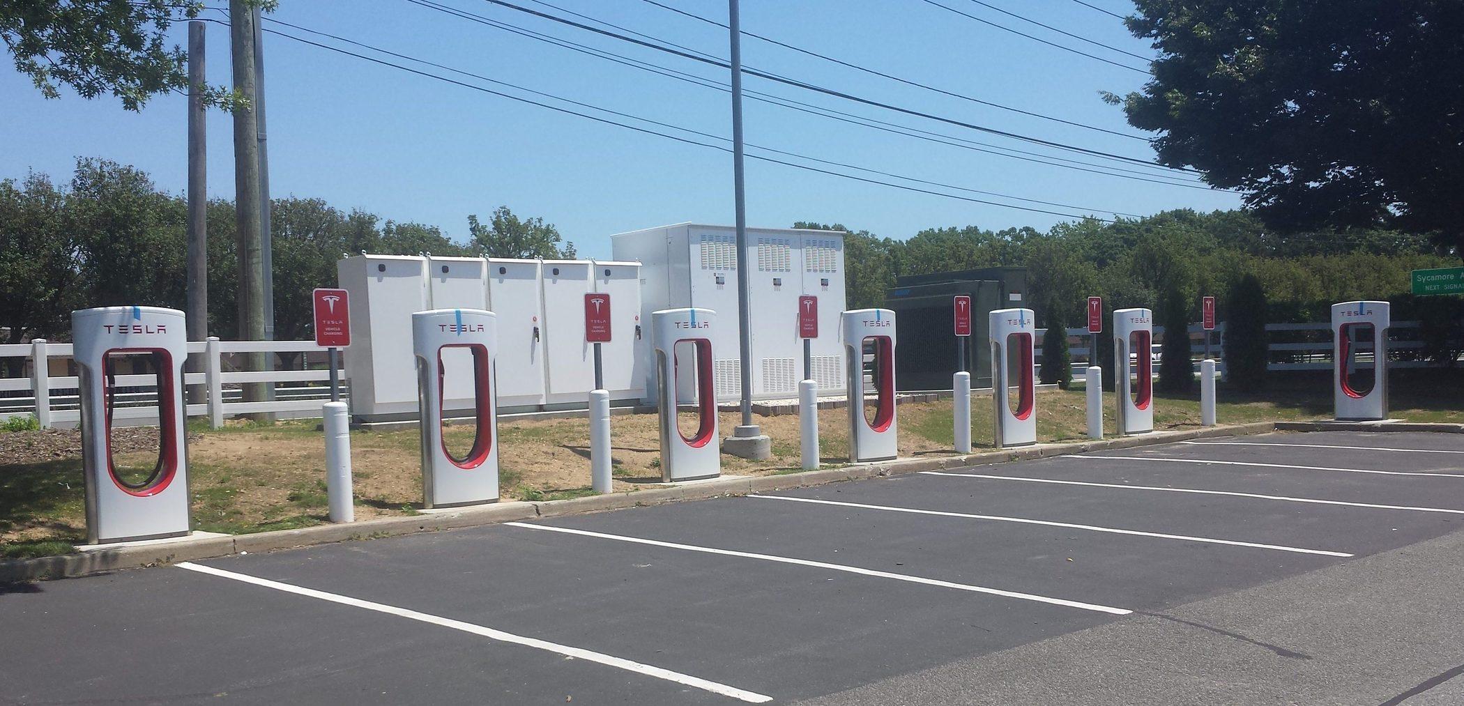屡创纪录!Tesla超级充电站部署数量激增