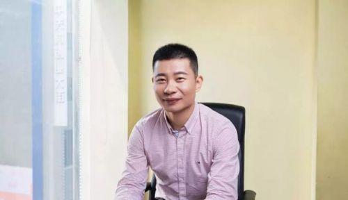 科大讯飞:红芯创始人陈本峰在讯飞实习过没投资过