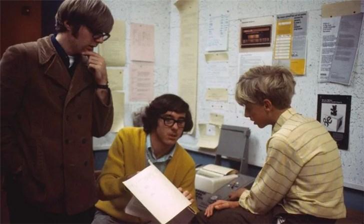 比尔盖茨追忆保罗艾伦:他用一本杂志成功劝我从哈佛退学