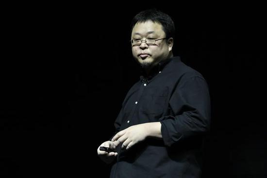 福布斯中国专访罗永浩:敢于尝试的中年人挺有意思