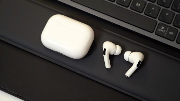 据称新款AirPods将采用AirPodsPro设计无降噪功能