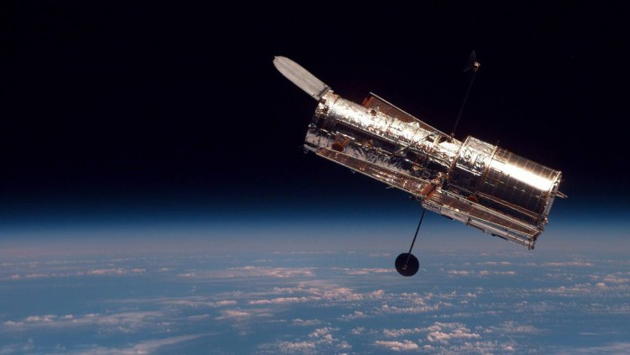 """哈勃望远镜发射30岁周年:奉上精美""""恒星诞生""""照"""