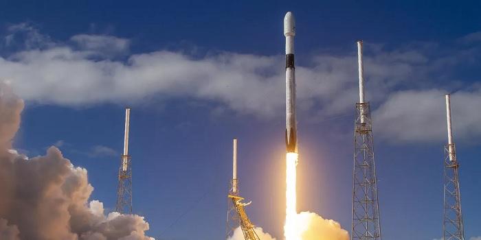 SpaceX宣布周日试射首批可减少阳光反射的星链卫星