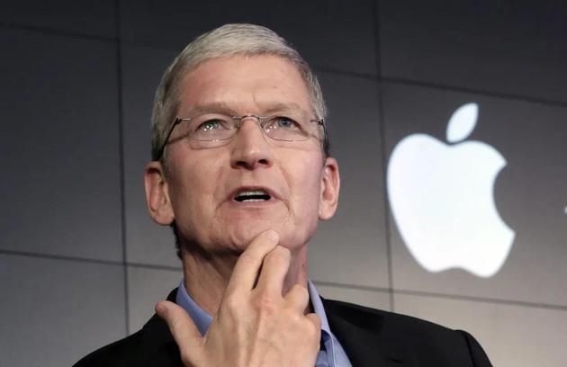 苹果市值破2万亿美元巴菲特靠苹果爆赚近3000亿元