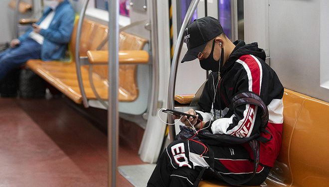 上海地铁今起禁电子产品外放声音,专家预测或推广