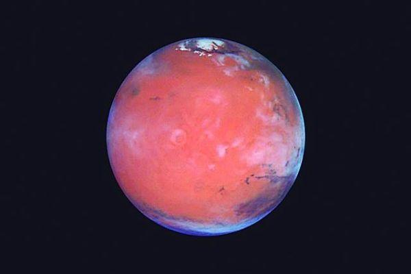 研究:火星可能仍含有数量惊人的水,地壳下或藏有古海洋
