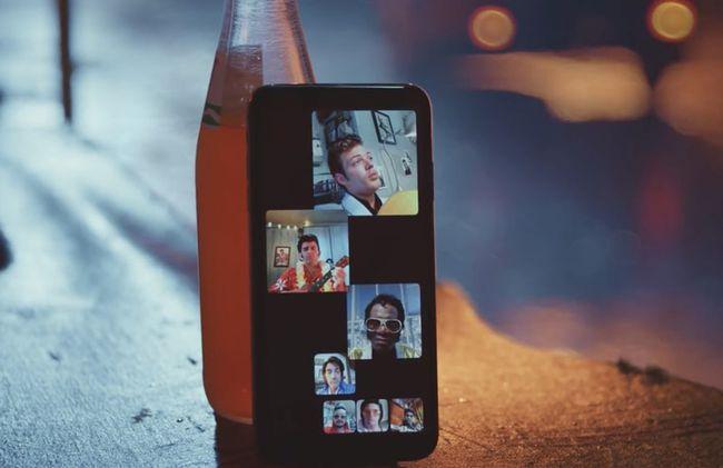 """部分用户透露:他们正在被FaceTime群组电话""""轰炸"""""""