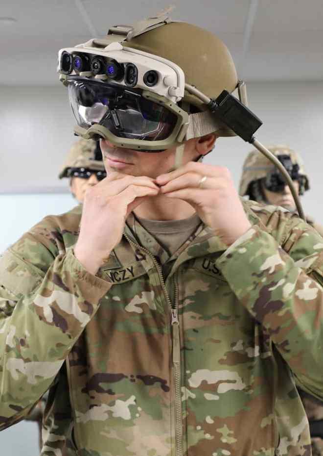 微软赢得美军219亿美元合同10年提供12万套AR头盔