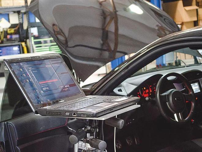 芯片短缺将致今年全球车企减产390万辆,损失高达1100亿美元