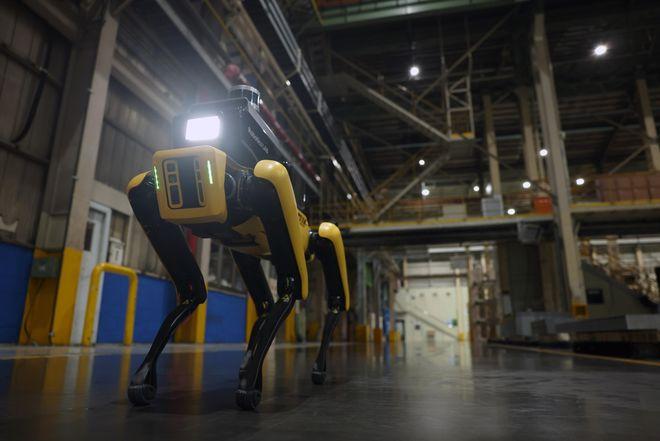 韩国现代在工厂中测试波士顿动力公司机器狗负责安全巡逻