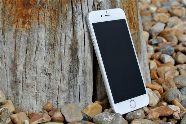 苹果厚道!iPhone5s/6突然升级